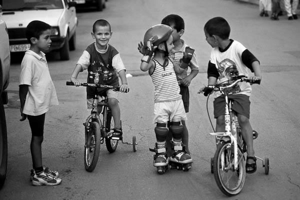 bambini-kosovo-dopoguerra